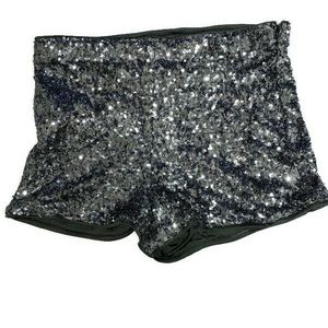 🌼GUC Forever 21 Med Silver/Gray Sequin Shorts🌼